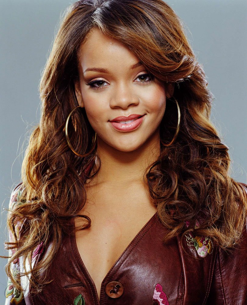 Top Quality Super Sexy Rihanna Hair Style Long Wavy 20 Inches Perfect Lace Wig