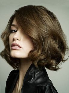 Hand Knotted 100% Human Hair Trendy Exquisite Cut Bob Hairstyle Medium Silky Wavy Brown Lace Wig 10 Inches