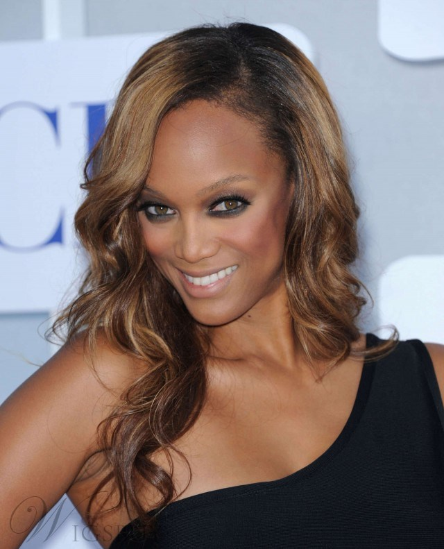 New Arrival Attractive Beautiful Tyra Banks Hairstyle Long Wavy Brown Full Lace Wig 100% Human Hair 18 Inches