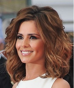 New Arrival Gorgeous Cheryl Cole's Hairstyle Medium Loose Wavy Lace Wig 100% Human Hair 14 Inches