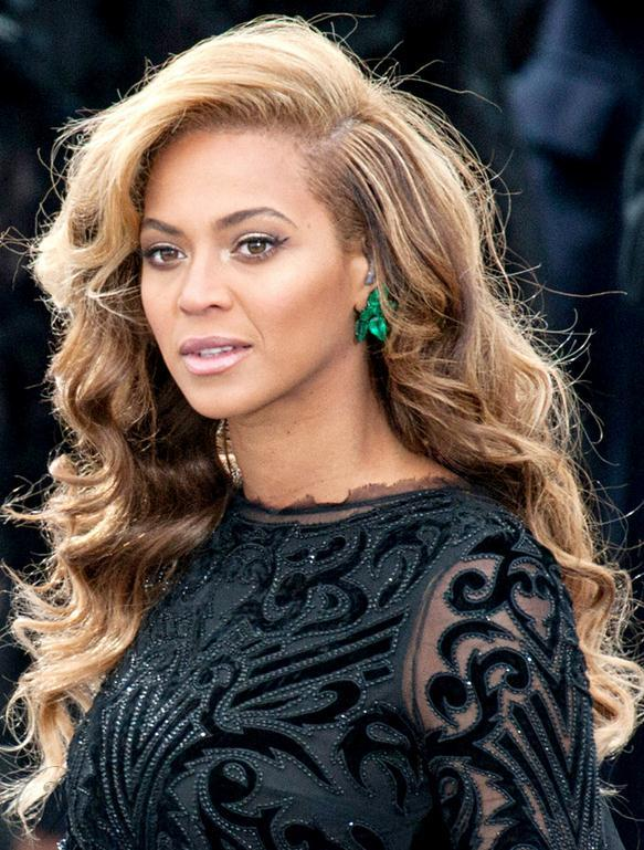 Luxurious Beyonce Hairstyle Long Wavy Full Lace Wig 100% Human Hair 22 Inches Brown