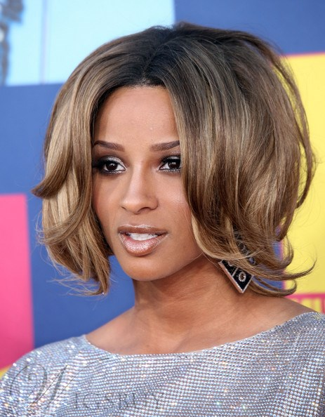 Ciara Simple Pretty Two-Tone Look Short Wavy Lace Front ...