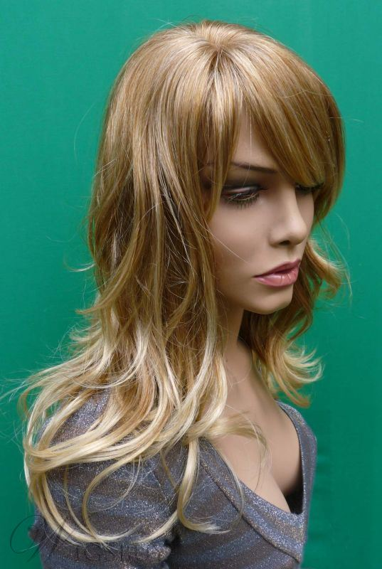 Pretty Hot Sale Long Wavy Heat Resistant Synthetic Wig 18 Inches