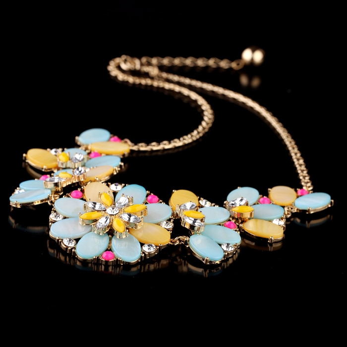 Glamorous Colorful Beads Flowers Rhinestone Necklace for Women
