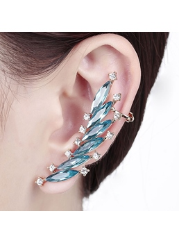 Sharp Rhinestone Decorated Ear Cuff