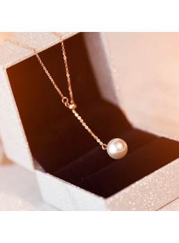 Pearl Pendant Women's Necklace