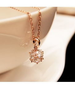 Exquisite Ball Clavicle Short Necklace