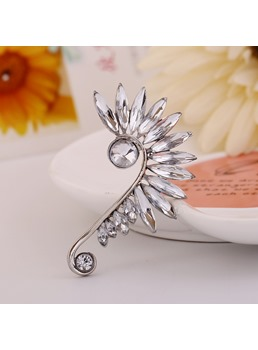 Sharp Rhinestone Decorated Women's Ear Cuff