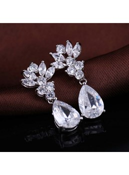 White Flowers Water Droplets Zircon Earrings