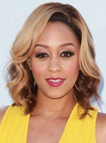 Tia Mowry Medium Wavy Lace Front Synthetic Hair Wig 14 Inches