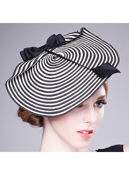 Fashionable Black and White Stripes Beret Dicer
