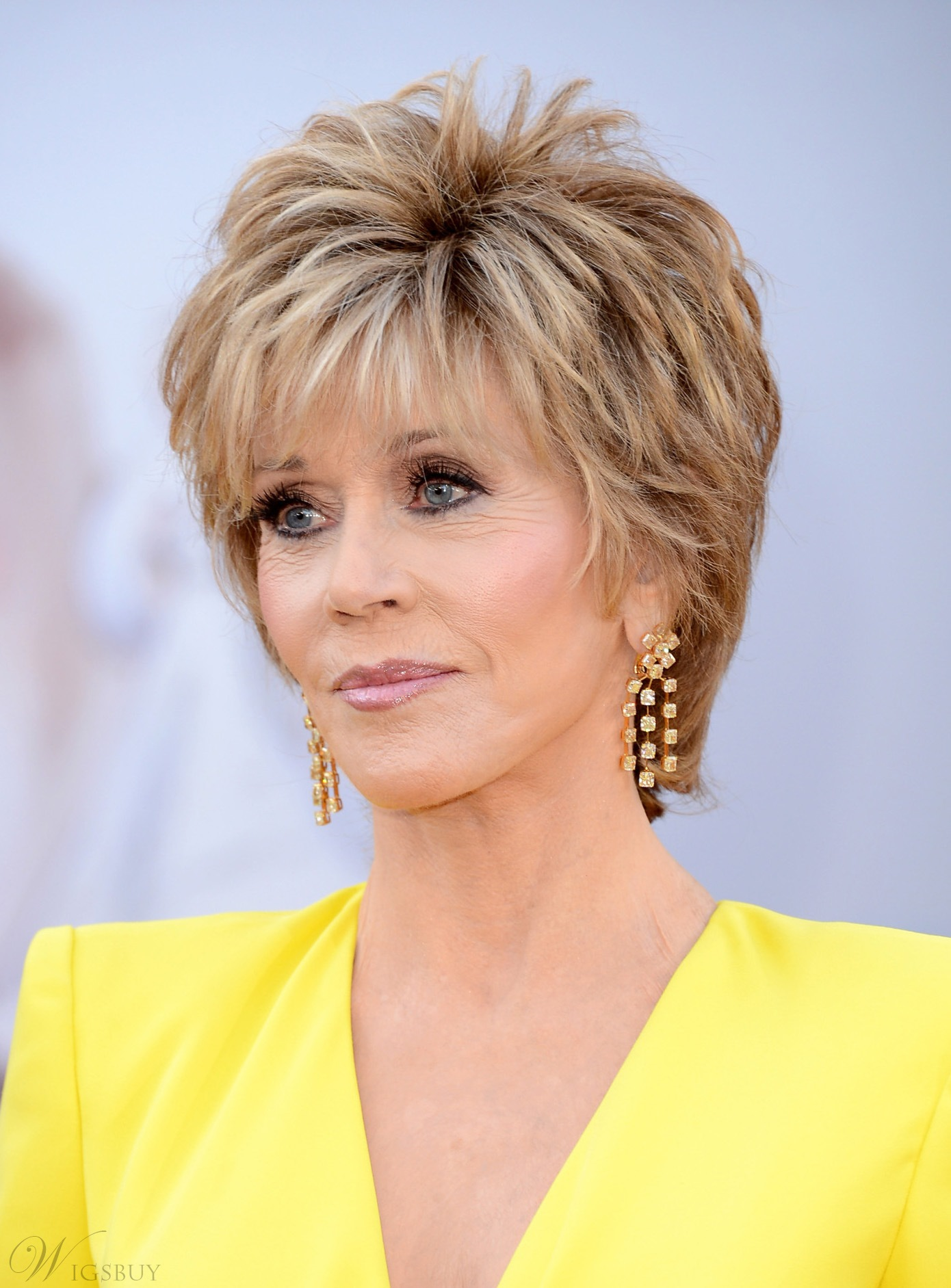 Cool Style Jane Fonda Short Straight Layered Synthetic Capless Wig 8 Inches