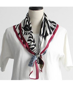 Vintage Zebra Wing Floral Print Simple Square Scarf
