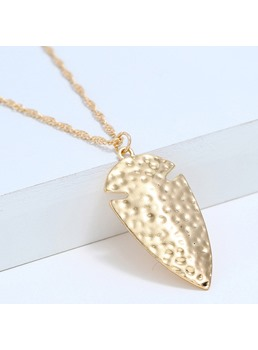 Golden Leaf Alloy Necklace