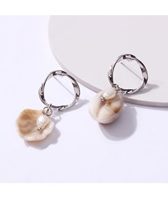 Conch Pearl Earrings