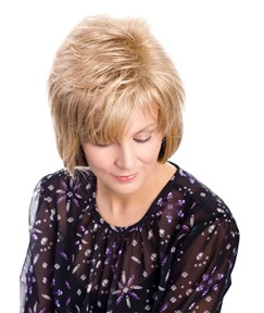 Versatile Lightweight Easy-to-wear Straight Human Hair Wigs Natural Looking Women's Lace Front Wigs 10Inch