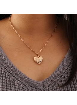 Women's Sweet Style E-Plating Technic Alloy Pendant Link Chain Pendant Necklace