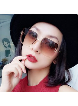 Fashion Style Women's Metal Frame Resin Lens Square Shape Sunglasses