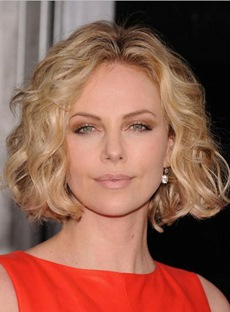 Hot Sale Charlize Theron's Hairstyle Short Wavy 10 Inches Golden Blonde Lace Wig