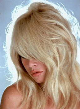 Layered Fluffy Blonde Straight Synthetic Hair Capless Women Wigs 16 Inches